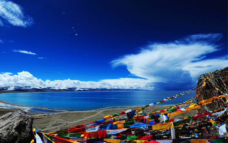 Extended to the Holy Lake Namtso Lake, and stay overnight there.