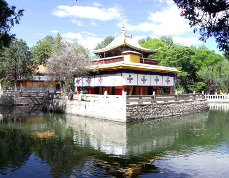 Norbulingka Park in Lhasa - the Summer Palace of Dalai Lama