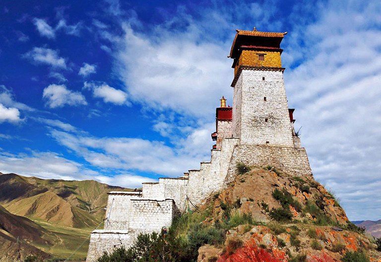 Yumbulagang Palace - The Cradle of Tibetan Civilization