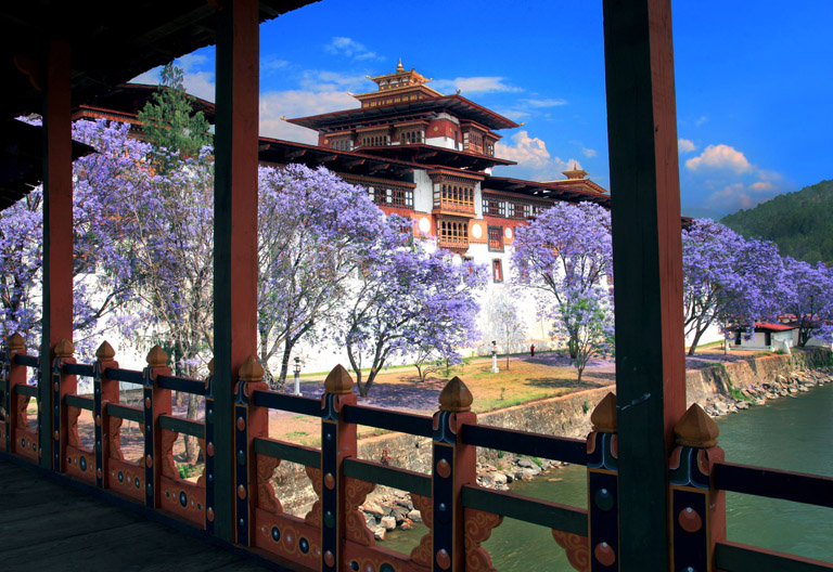 15 Days Tibet Nepal Bhutan Himalaya Exploration In-depth Tour