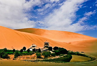 Dunhuang Crescent Lake