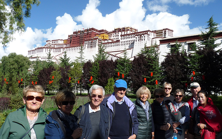 Our customers from France had a good time in Potala Palace (2019)