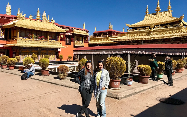 Julie's Faimily from France visited Jokhang Temple