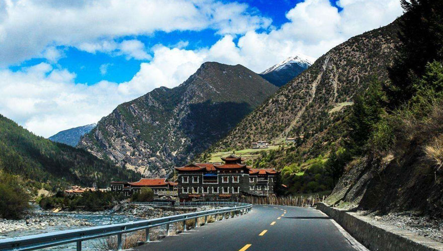 Transfer to Shannan and explore the birthplace of Tibet Civilization