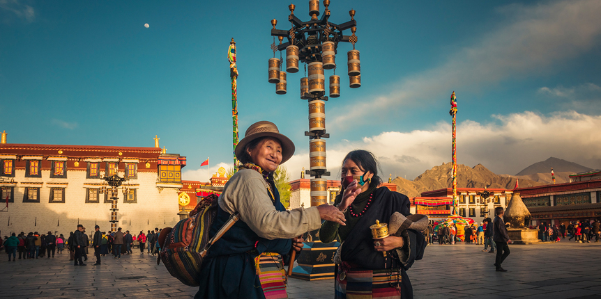 Travelling with us means looking after the Holy Land, and empowering local communities in Tibet.