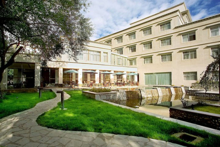 Jardin secret hotel lhasa 5 star hotel book jardin secret for Secret hotel booking