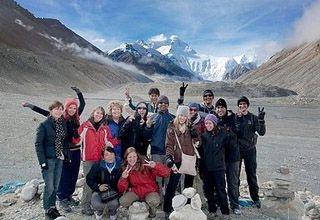 Foreign Students Travel in Tibet