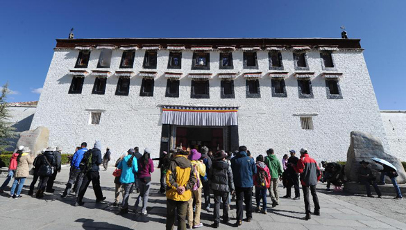 Potala Palace to extend opening hours to meet tourists' demand